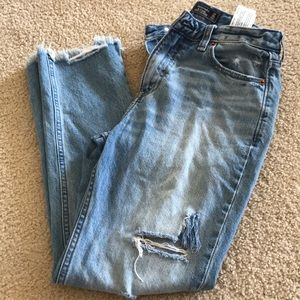 Abercrombie and Fitch girlfriemd riped jeans